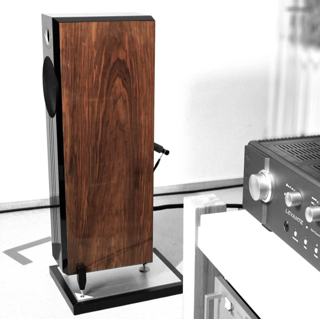 Ichos N ° Four MkII SE Floorstanding speakers