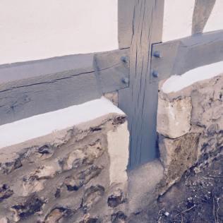 Remplacement de soles et poteaux sur longère Normande