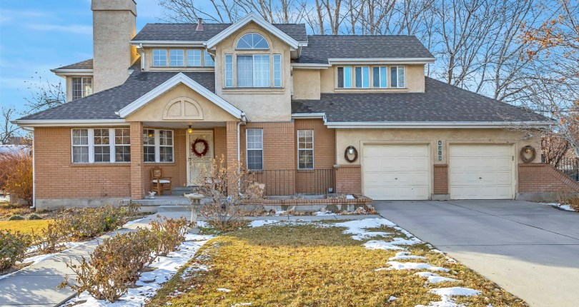 Home for the Holidays in Holladay – SOLD