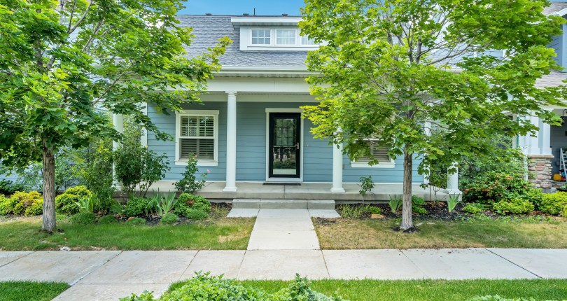 Daydreaming of Daybreak – UNDER CONTRACT