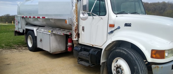 Used International 2700 gallon fuel truck for sale