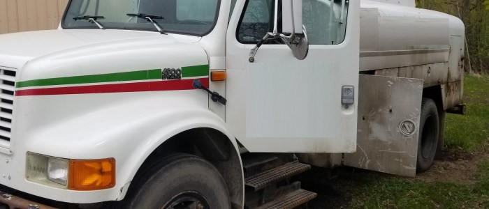 Used International 4900 refined fuel truck for sale