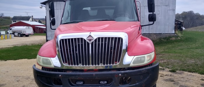 Used International refined fuel truck for sale