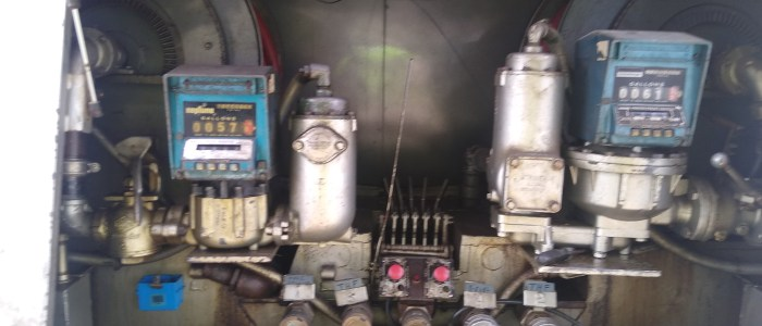 Used International 2100 gallon refined fuel truck for sale