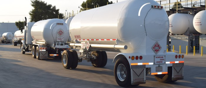 Used Kenworth T800 truck and transport trailer