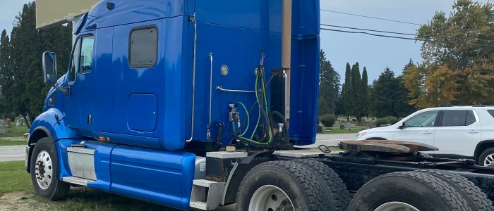 Used Peterbilt 387 tractor for sale