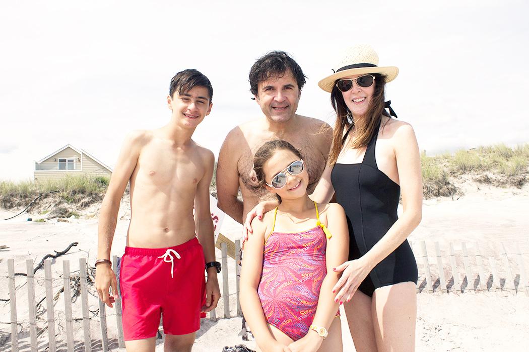 Fire-Island-family3