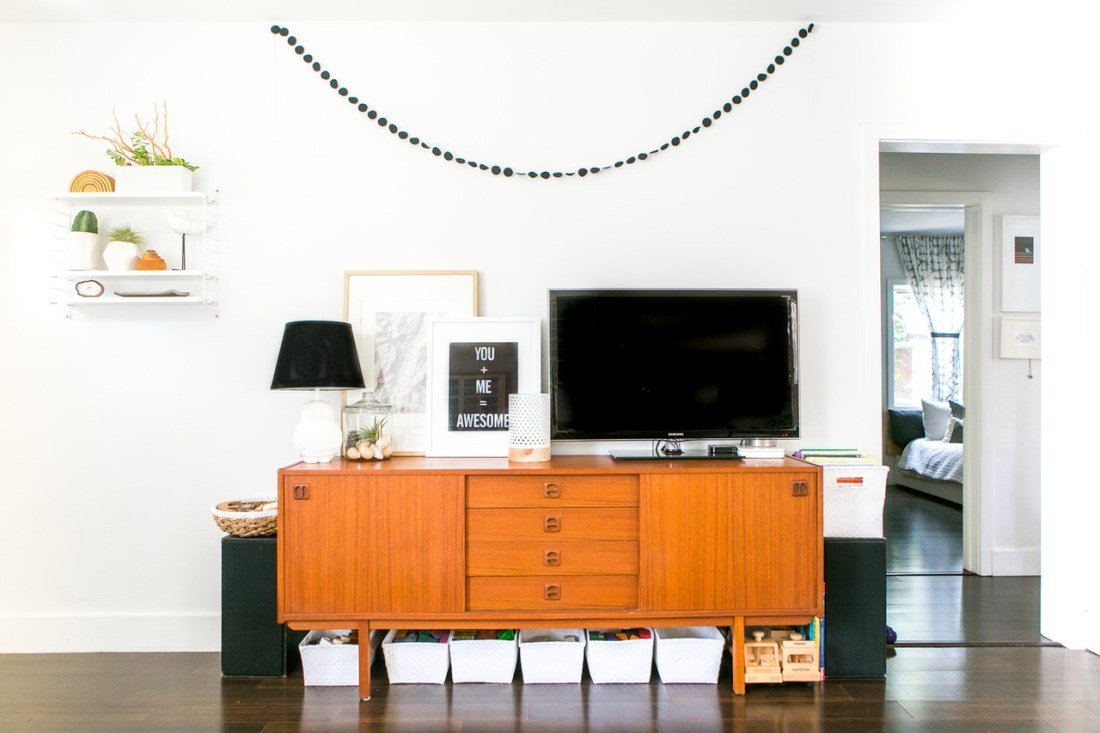 Ah, summer weather calls for summer living. And where better to find inspiration for a beachy infused home decor aesthetic then Los Angeles
