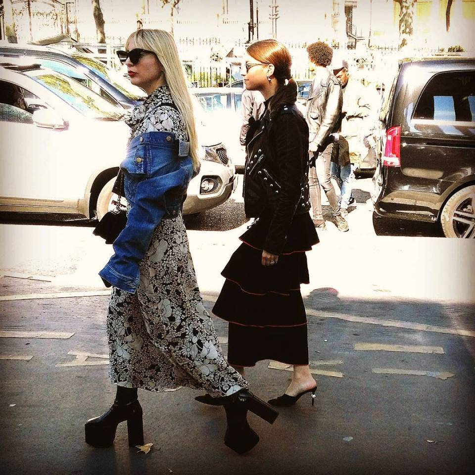 Another throwback to PFW loving these fashionable Parisians so gorgeous!hellip