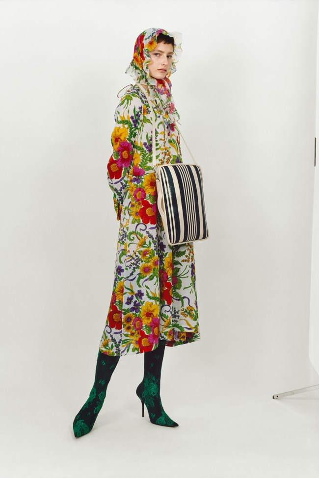 Wow this has been a hot summer, or more to the point—humid. Not particularly enjoyable. I am looking forward to fall with it's cooler temperatures and sense of new beginnings. And for pre-fall Balenciaga has mixed it up with a slightly left of center collection striking out in a bold yet alluring direction