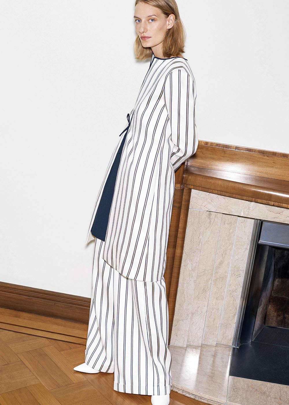 Today for Lookbook Friday we are looking at some pieces from J&M Davidson's SS2018 line. A British company originally know for hand bags and belts they now make women's ready-to-wear