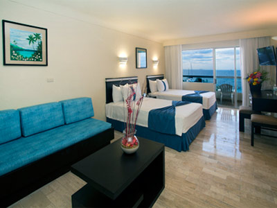 Aquamarina Beach Hotel Cancun Jr. Suite
