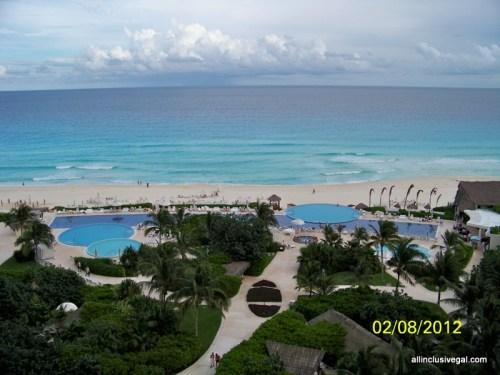 Live Aqua Cancun pools