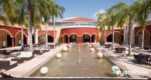 Ocean Maya Royale courtyard