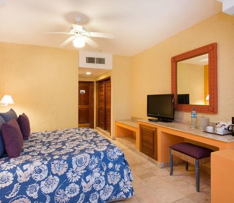 Jr. Suite, courtesy Iberostar Resorts