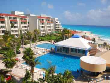 Solymar Cancun Beach Resort pool area