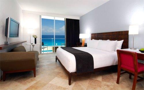 Krystal Grand Punta Cancun Altitude Deluxe room