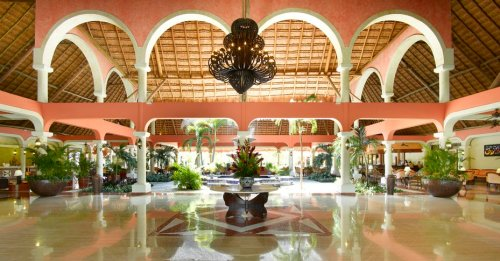 Grand Palladium Colonial Resort and Spa lobby