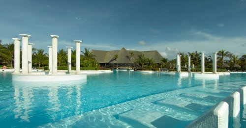 Grand Palladium Colonial Resort and Spa main pool