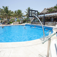 The Reef Playacar activities pool