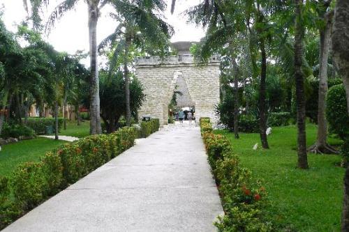 Viva Wyndham Azteca grounds