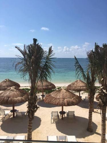 Breathless Riviera Cancun beach