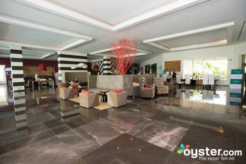 Grand Oasis Tulum lobby