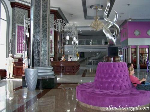 Riu Palace Mexico lobby