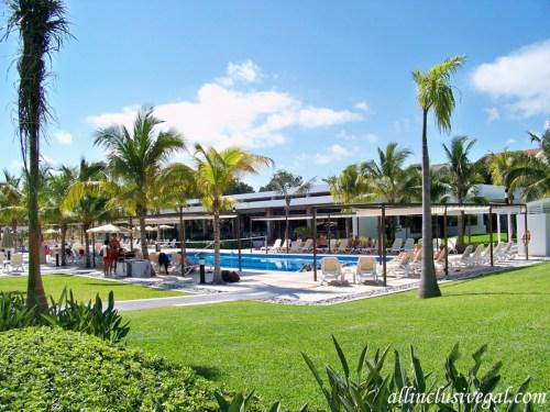 Riu Palace Mexico activities pool