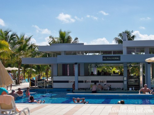 Riu Palace Mexico swim-up bar pool