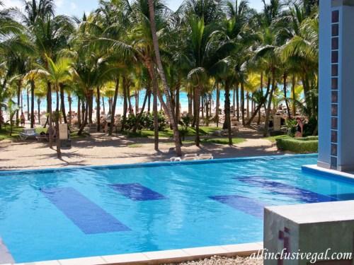 Riu Palace Mexico beach