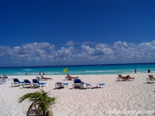 Riu Lupita shared beach