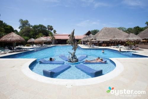 Riu Lupita main pool