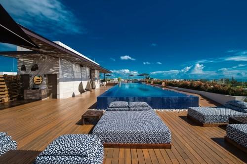 Lat 20 by Live Aqua rooftop pool