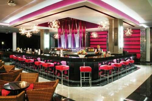Riu Yucatan lobby bar
