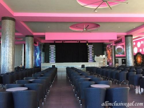 Riu Palace Las Americas theater