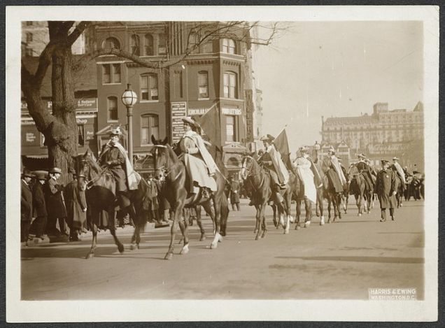 800px-Women_on_horseback_in_suffrage_parade_160077v