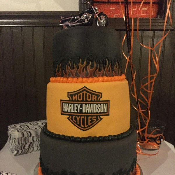 Cool Harley Cake for a 50th birthday!! #harleydavidson #50th #customcake