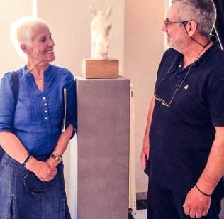 Η γνωστή αρχαιολόγος Μαρία Κασίμη-Σούτου με το φίλο και συμμετέχοντα στην έκθεση ΑΚΡΟ-πολίτη Βασίλη Τσιτσιμπάκο...