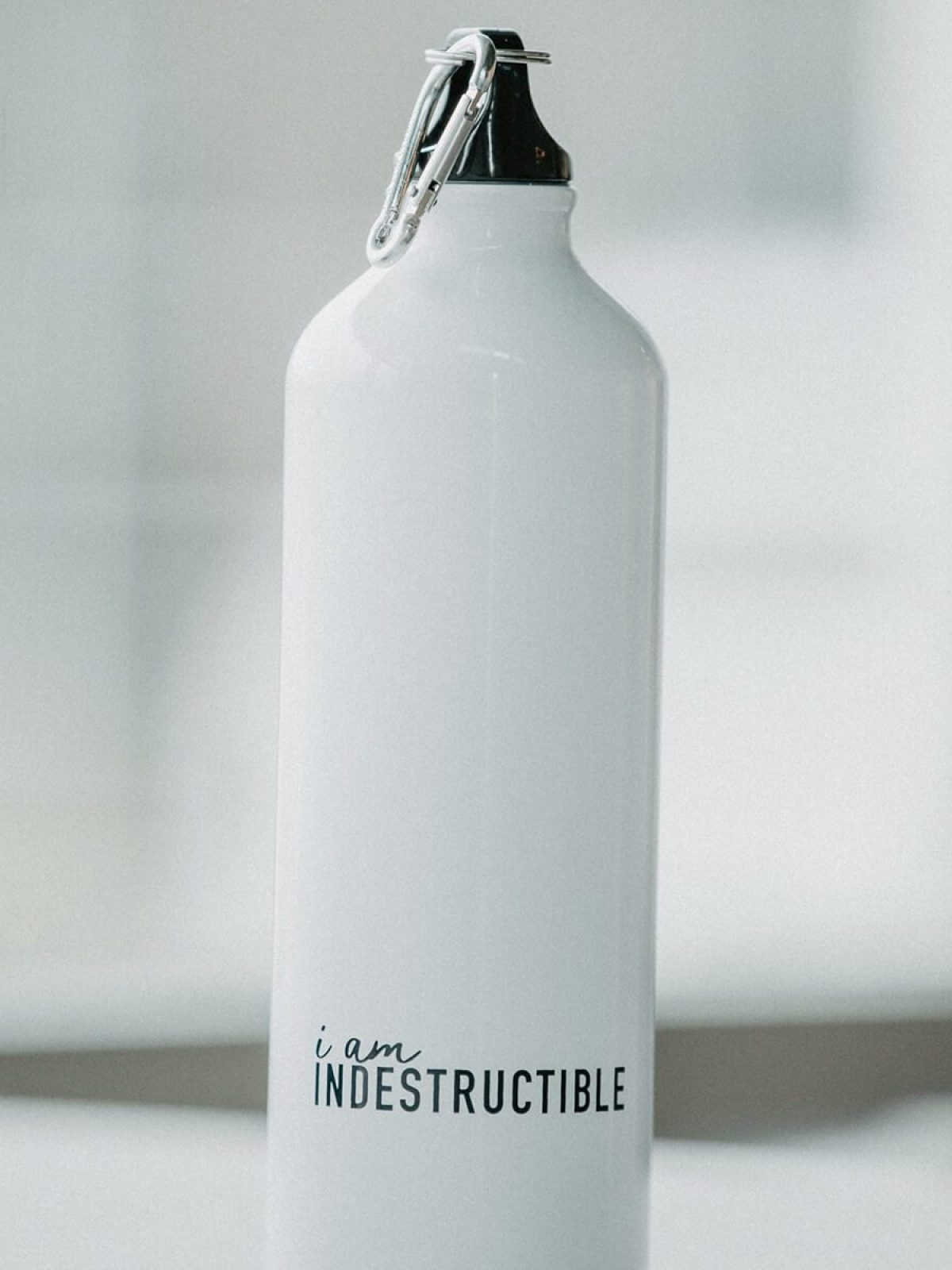 INDESTRUCTABLE-waterbottle-2