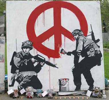 banksy-soldiers-painting-peace-sign