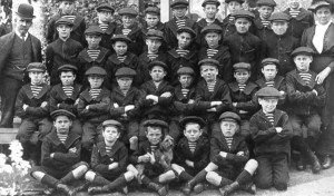 group-photograph-of-the-boys-from-the-boys-home-in-lansdowne-crescent-west-hobart-in-october-1911