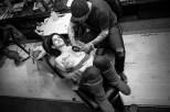 La lucha contra el cáncer de mama es difícil y dolorosa, pero hay algunas mujeres que convirtieron su lucha en arte. La moda de tatuarse flores sobre las cicatrices de la mastectomía.