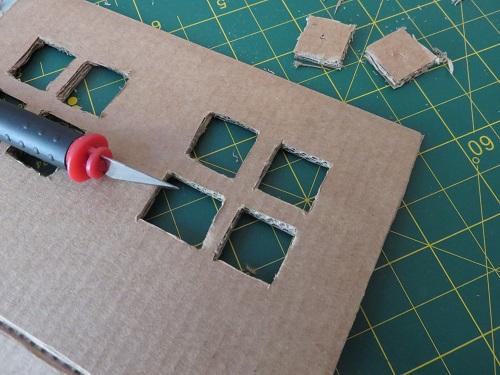 2. maison en carton