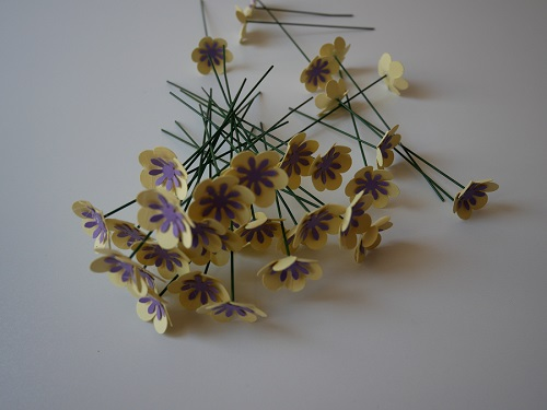 1. CRAFT spring paper flowers
