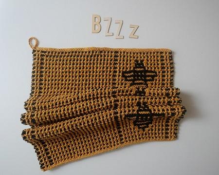 000. serviette motifs abeilles tricot mosaique