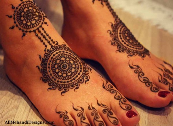 20 Simple Henna Tattoos For Legs Ideas And Designs