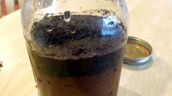 Give the jar of coffee grounds a shake or turn if you walk by it during the steeping time.