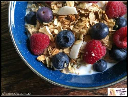 healthy breakfast of cereal and berries