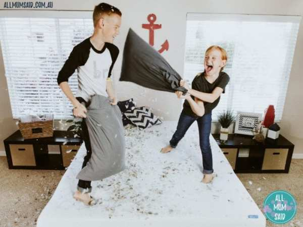 sleepover etiquette for kids   kids playing on bed
